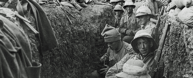 Soldiers_in_trench